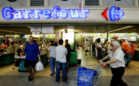 'Carrefour in trek door geruchten Amazon'