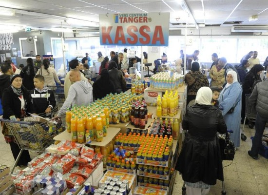 Allochtonenwinkel tanger groeit uit jasje for Tanger amsterdam