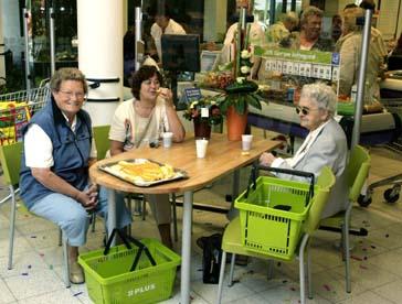 Attachment 007 food image dis126131i07