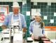'Winkelpersoneel meldt zich vaker ziek'