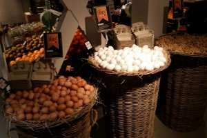 'Supers maken te veel winst op eieren'