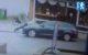 Emté-man meegesleurd op auto winkeldieven
