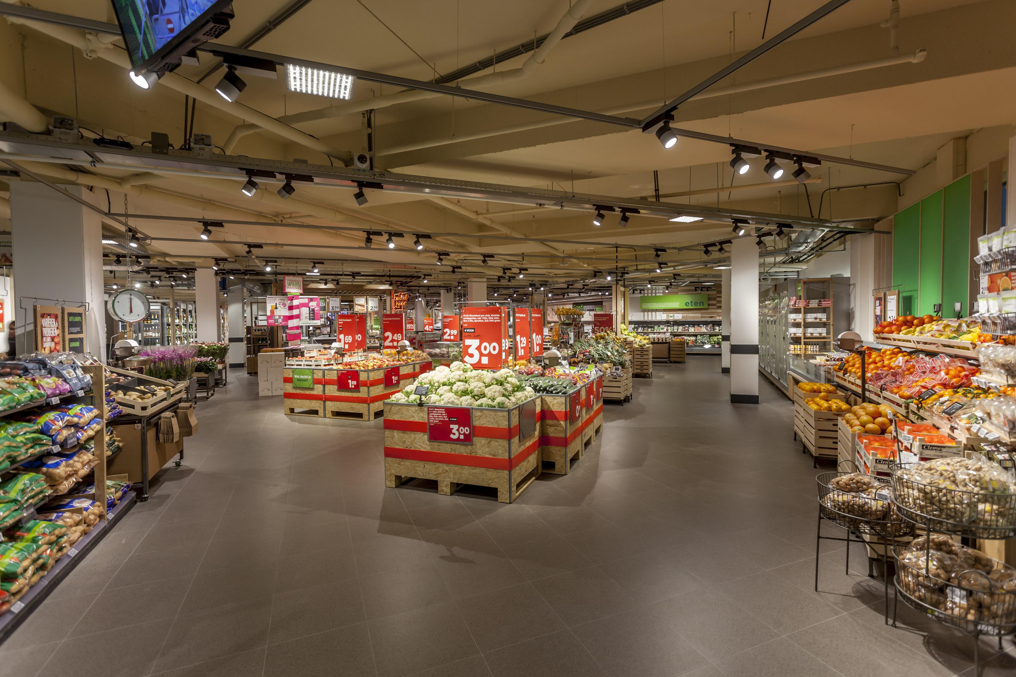 Jan 17, · De WAAR is de mooiste en leukste kringloopwinkel van Noord Nederland. Met vierkante meter ook een van de grootste. Verdeeld over twee .