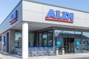 Theo Albrecht 'spreekt' Aldi Nord-medewerkers toe