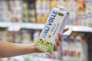 Jumbo gaat voor duurzamere melk