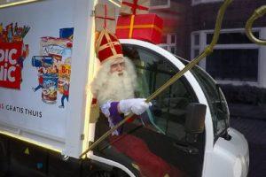 Bezorgwagens Picnic voor even Sinterklaastaxi
